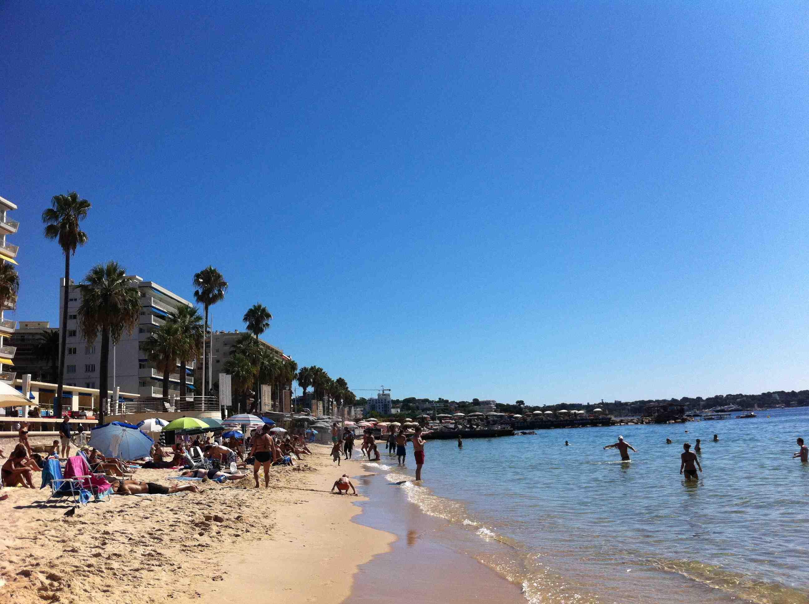 Bonjour de Cote d'Azur, France | travellou
